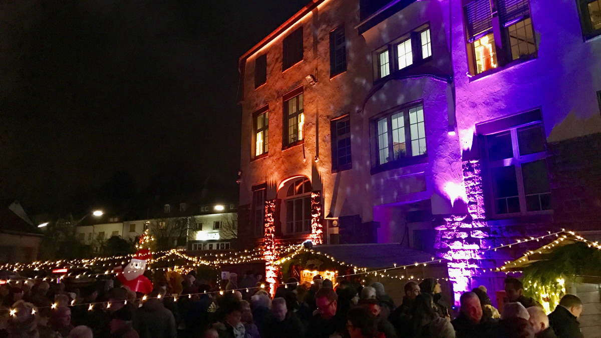Wo Ist Heute Ein Weihnachtsmarkt.So Schön War Der 1 Eppelborner Weihnachtsmarkt An Der Koßmannschule
